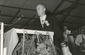 1958 Fahnenweihe: Dirigent Max Knecht