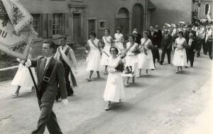 1958 Fahnenweihe: Einzug